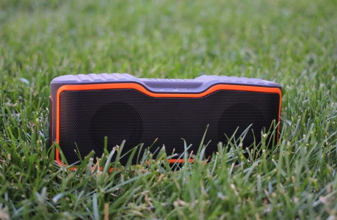 AOMIAS IPX7 Waterproof Bluetooth Speaker
